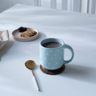 ceramic mug polka dots w/wdn lid blue