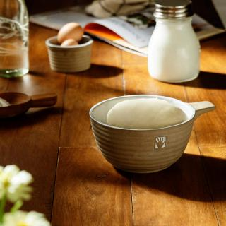 mano ceramic mixing bowl with handle- small