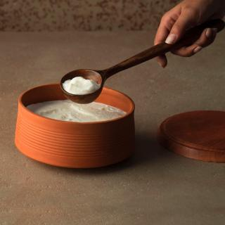 terracotta curd setter with wooden lid- natural