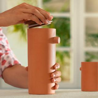 Knurl Terracotta Carafe with Wooden Lid